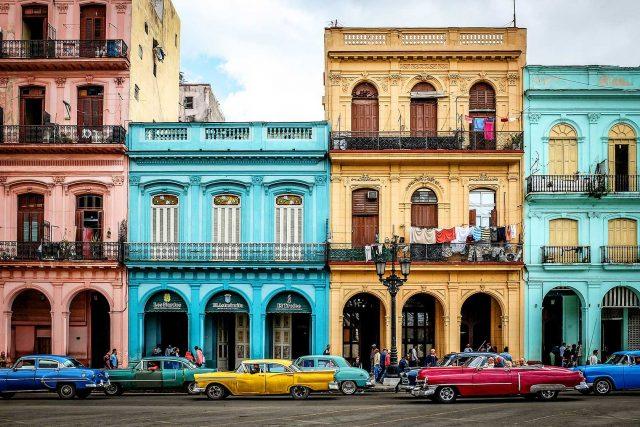 Hayaller Ülkesi Küba