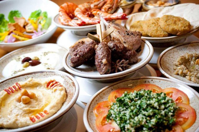 Ramazan'da İftar ve Sahurda Di̇kkat Edi̇lmesi̇ Gerekenler