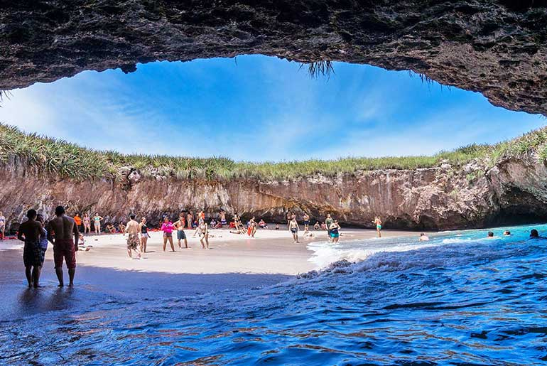 Saklı Kumsal/Hidden Beach (Marieta Adaları-Meksika)