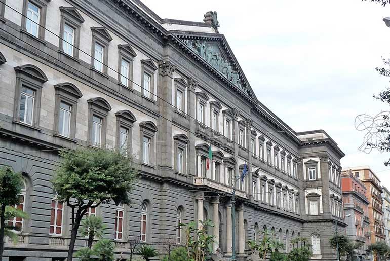Naples Federico II Üniversitesi