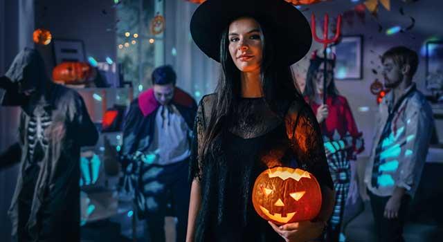 Cadılar Bayramı Kostümleri Korku Filmi